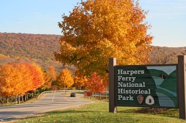 Harpers_Ferry_Fall_Foliage_by_Terry_Tabb_(770px).jpg